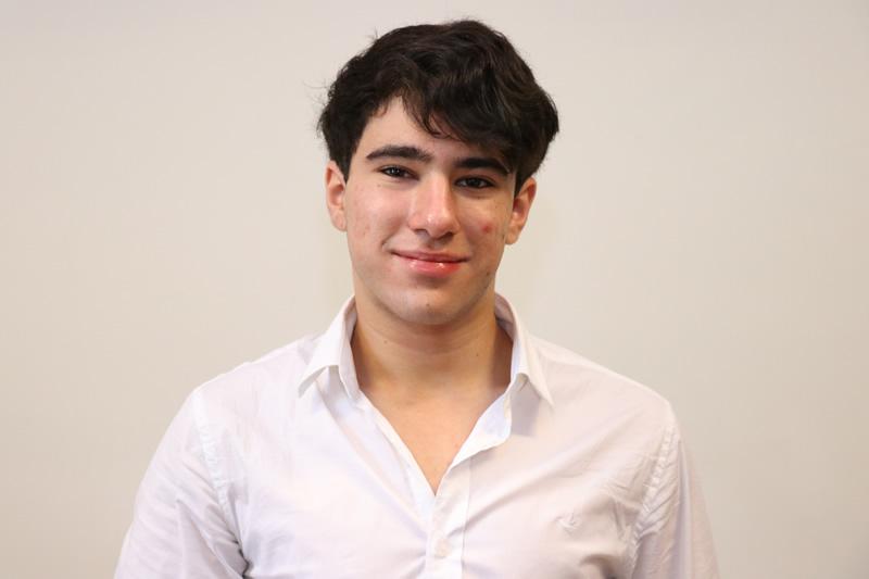 Estudiantes Daniel Ferrari Y Su Destacado Desempeño En Automovilismo Instituto Crandon Instituto Crandon